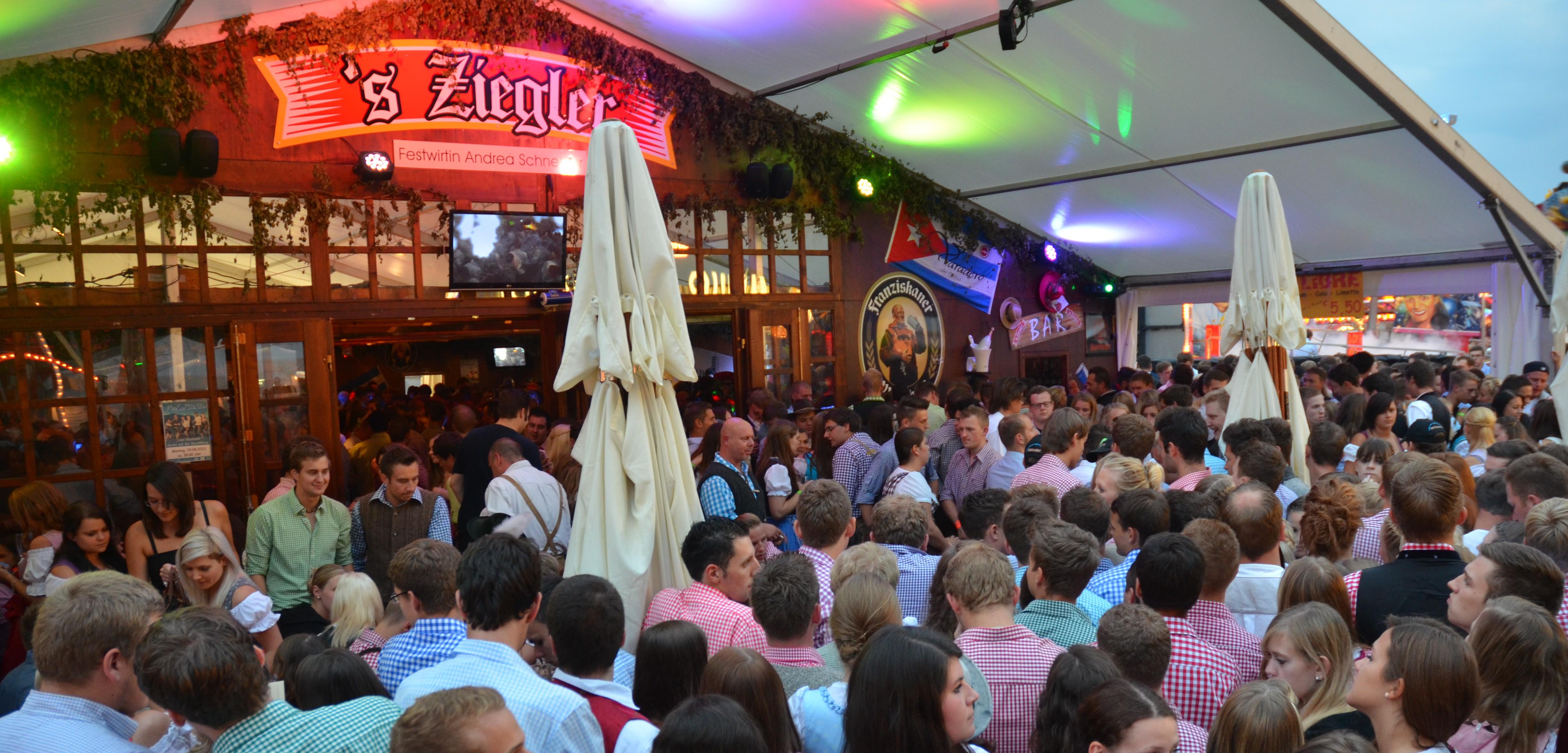 Slight-Show-Volksfest-2013-e1440613559710